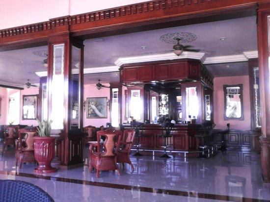 "Hotel Riu Palace Tropical Bay : Lobby bar ""Cubano"""
