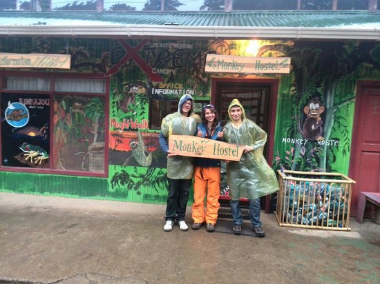 Monkey Hostel: Ready for the kinkajou night walk