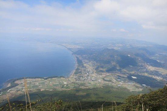 Mt. Kaimondake: 登り途中の景色
