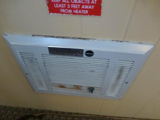 Sierra Nevada Resort & Spa: dirty looking heater