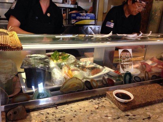 242 Cafe Fusion Sushi: Sushi Bar