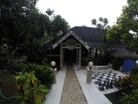 Mar & Oro: entrada del hotel
