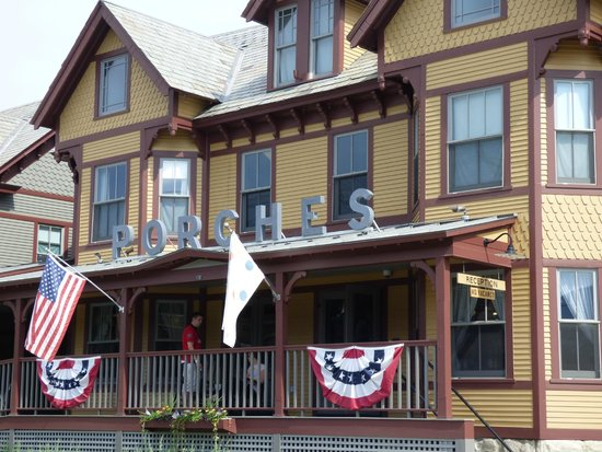 The Porches Inn at MASS MoCA: The front