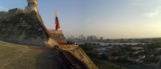 Hotel Capilla del Mar: Cartagena vista desde el castillo de San Felipe