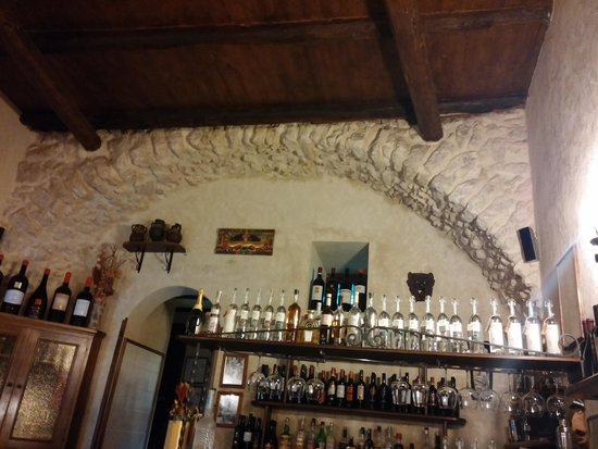 La Lamia: Interior of restaurant