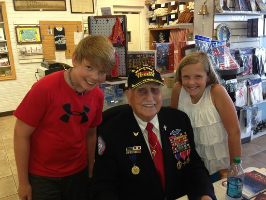 Battleship USS ALABAMA: Getting first-hand information from a WWII vet.