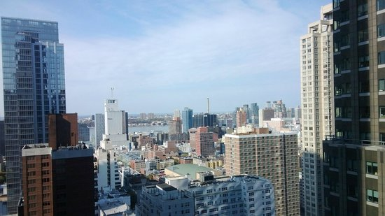 Novotel New York Times Square: Vista do 27 andar do apartamento