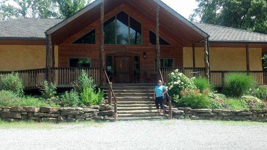 Makanda Inn & Cottages: Front