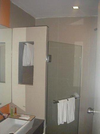 Brighton Hotel & Residence: 浴槽はありません。