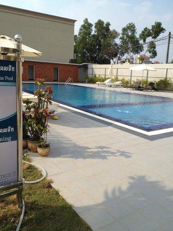 Moon Julie Hotel: Pool