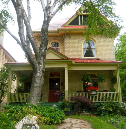 A Hundred Church Street Bed and Breakfast