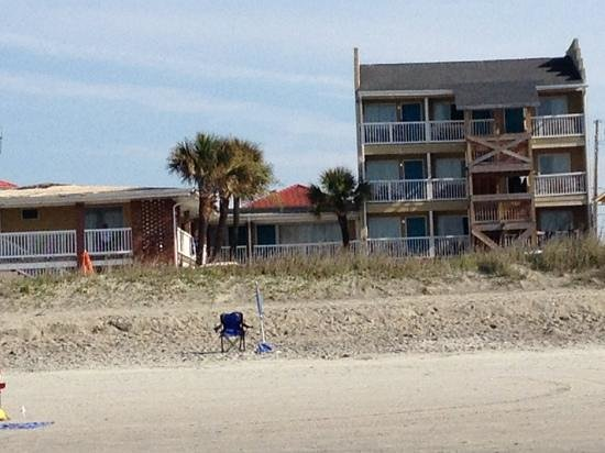 The Pelican Motel: room 208 has beach view