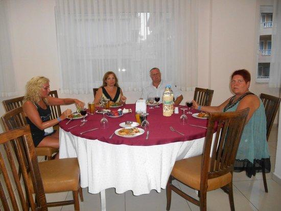 Blue Star Hotel: ужин