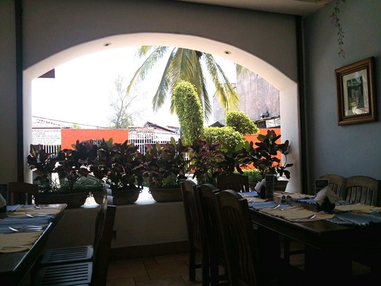 El Sabor de Oaxaca: Looking out to mercado across street.