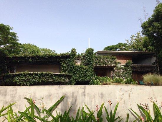Hix Island House : Casa Redonda desde la piscina
