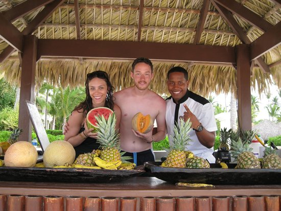 Paradisus Palma Real Golf & Spa Resort: Jorge, the Royal Service Fruit chef is awesome and a great spanish teacher.