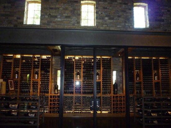 Silver Oak Cellars : wine tour room