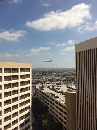 Crowne Plaza Los Angeles International Airport Hotel : View from our room