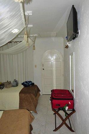 San Andres Noblehouse Hotel : Quarto visto do banheiro