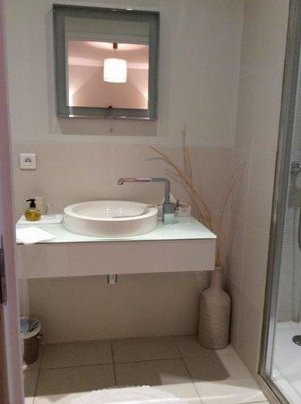 La Campagne: Bathroom