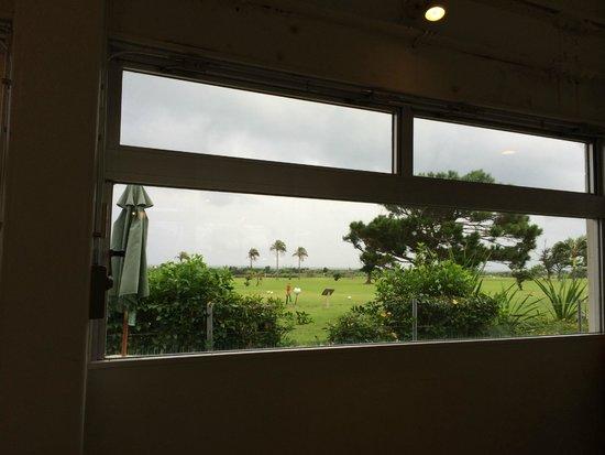 Best Inn Ishigakijima: レストランの窓からの眺め