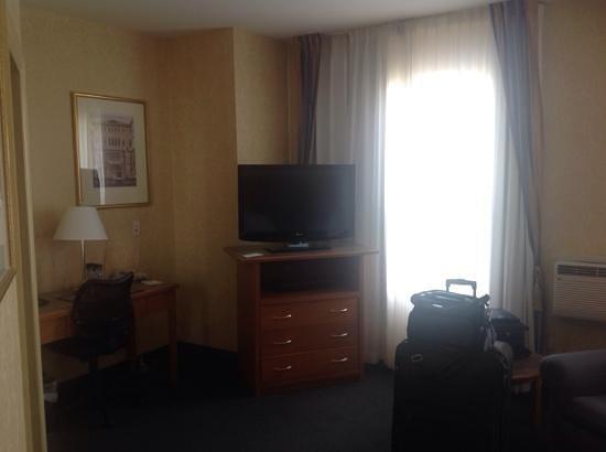 BEST WESTERN PLUS Uptown Hotel: flatscreen 221