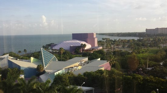 Hyatt Regency Sarasota: Van Wezel  Performing  Arts center