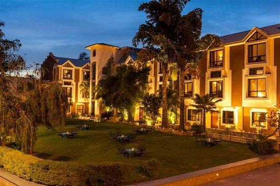 Hotel Hilltone: Exterior View