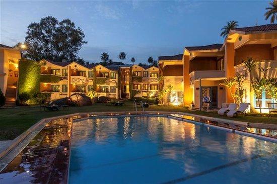 Hotel Hilltone: Pool Area