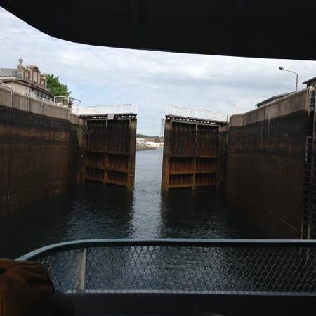 Soo Locks : Closing the Gates