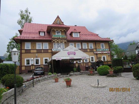 The hotel picture of the kasprowy wierch hotel zakopane for Hotels zakopane