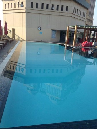 Fairmont Cairo, Nile City: pool