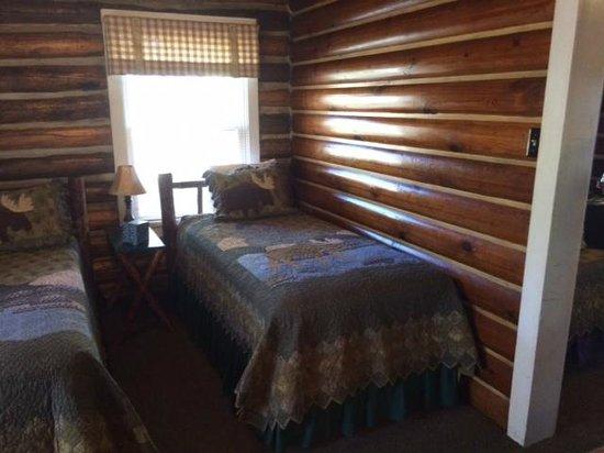 Redfish Lake Lodge : Back Room