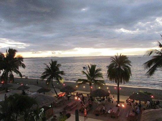Smugglers Cove Beach Resort & Hotel: Overlooking Smugglers Resort