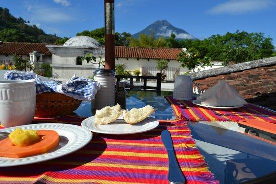 Hotel Sor Juana : Rooftop terrace breakfast!