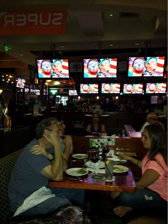 Upper Deck Ale & Sports Grille : Watching the USA team at the soccer cup 2014