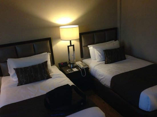 The Katerina Hotel : Twin sharing bad room