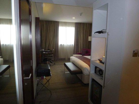Holiday Inn Muscat Al Seeb: Room