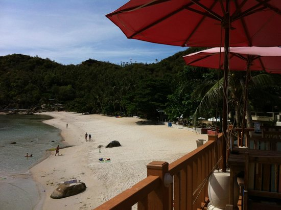 Thong Takhian Beach (Silver Beach): View from Terrace overlooking Silver Beach