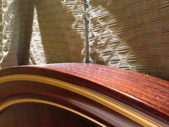 The Venetian Macao Resort Hotel: headboard full of dust
