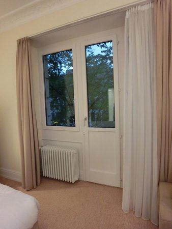 Renaissance Lucerne Hotel: Balcony doors