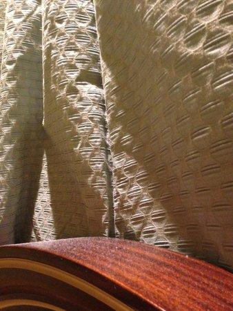 The Venetian Macao Resort Hotel: headboard full of dust 2