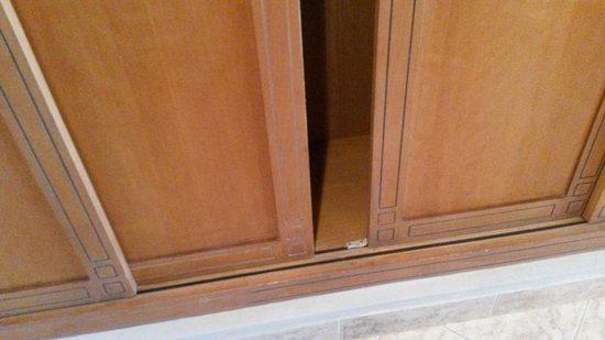 Steigenberger Aqua Magic: broken closet