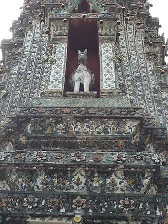Temple of Dawn (Wat Arun): inside wat arun