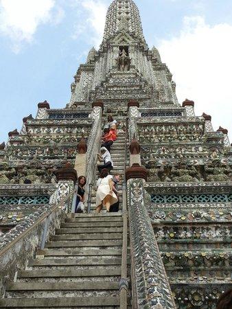 Temple de l'Aube (Wat Arun) : wat arun steps