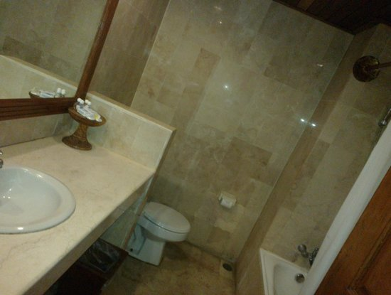 Sari Segara Resort Villas & Spa : ванная комната