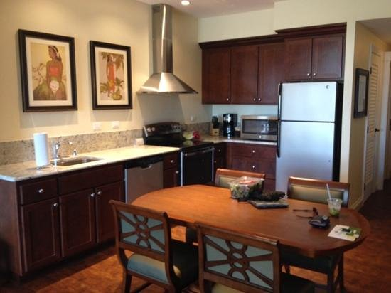 Kings' Land by Hilton Grand Vacations : Kitchen