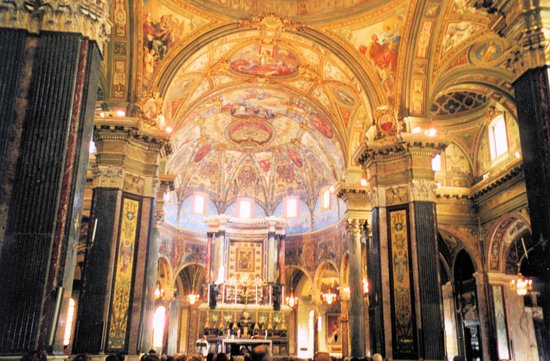 Sanctuary of the Madonna of the Rosary: interno basilica