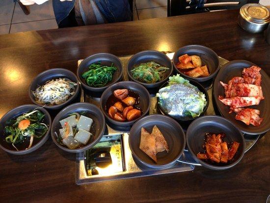 Jonga Jip Korean BBQ Restaurant : Banchan (side dishes)