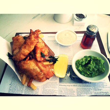 Luna2 Studiotel: My favorite fish and chips for lunch
